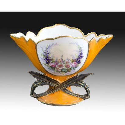 Porcelana. Centro en porcelana, Viejo París, S. XX.