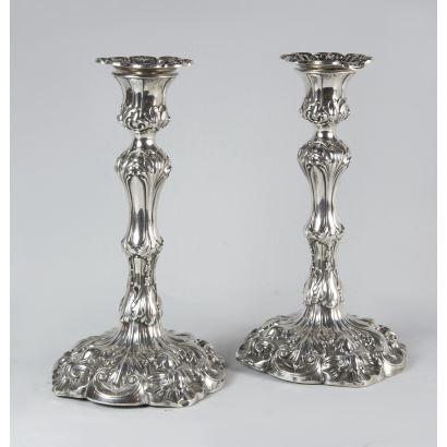 Pareja de candeleros ingleses, 1839.