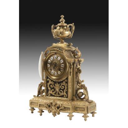 Reloj de sobremesa, estilo Luis XVI, S. XIX.