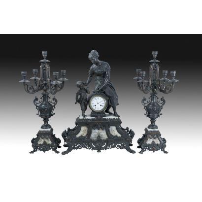Reloj de sobremesa con guarnición, Francia, ffs. XIX.