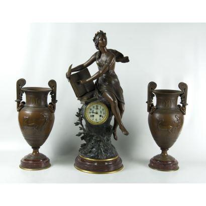 Reloj de sobremesa con guarnición, S. XlX