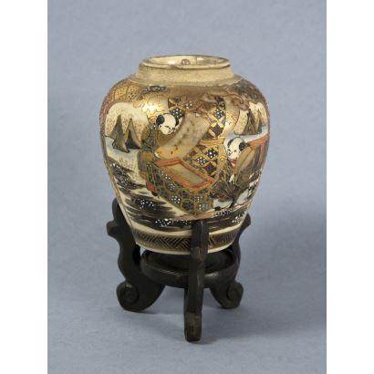 Tibor en cerámica Satsuma, S. XlX