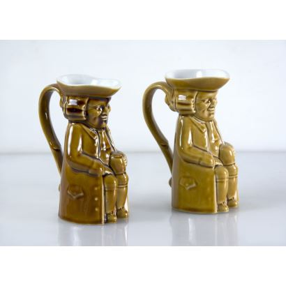 Pair of jugs, Tanagra, pps. XX.