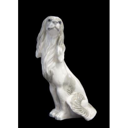 Porcelana. Figura en porcelana.