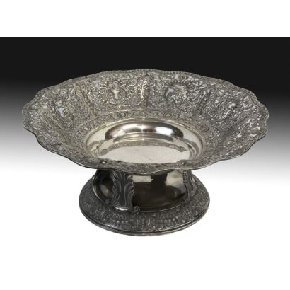Eighteenth-century silver center, second half of the s. XX.