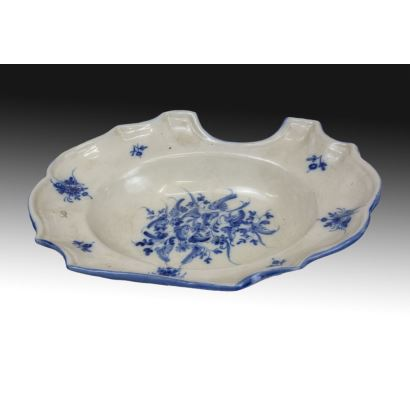 Bacía en cerámica valenciana, circa 1900.