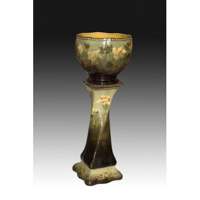 Jardinera en porcelana de mayólica austríaca, ppios. S. XX.