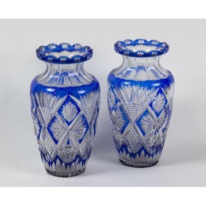 Pair of Bohemian glass vases, ppios. S. XX.