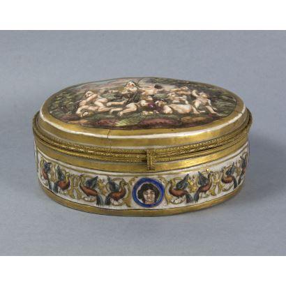 Caja en porcelana Capodimonte, S. XIX.