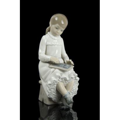 Porcelana. Figura de porcelana Nao Lladró.