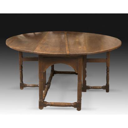 Mesa de alas inglesa, siglo XVIII.