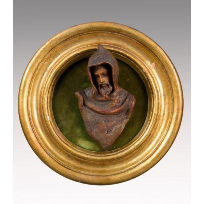 Escultura de cerámica policromada.