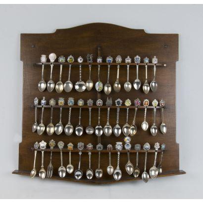 Objetos. Colección de cucharillas, S. XX.