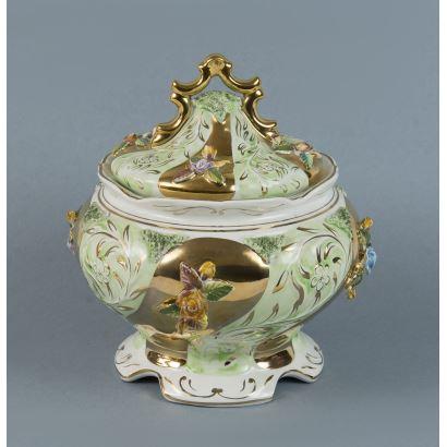 Sopera en porcelana, S. XX.
