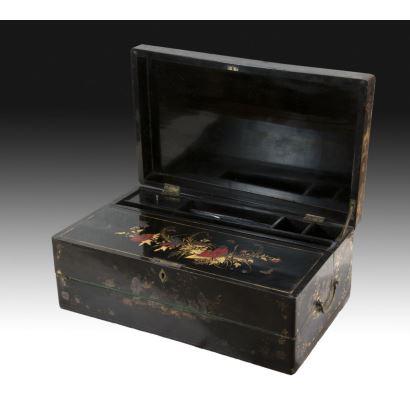 Caja con escribanía, China fin S. XIX- Ppios. S. XX.