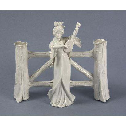 Blanc de Chine style porcelain figurine, ppios. S. XX.