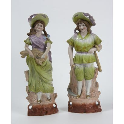 Pareja de figuras en porcelana alemana, ppios. S. XX.