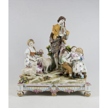 Grupo escultórico en porcelana alemana, ppios. S. XX.