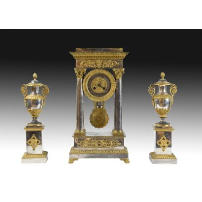 Table clock with garnish, France S. XIX.