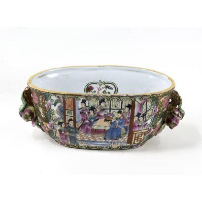 Sopera en porcelana de Cantón, ppios. S. XX.