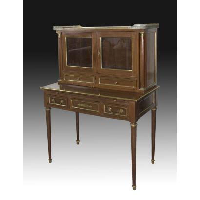 Louis XVI style desk, ppios. S. XX.