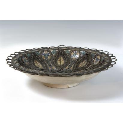 Plato en cerámica mexicana, S. XIX.