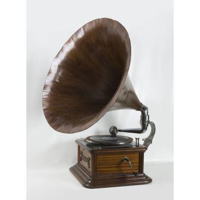 Gramophone, ppios. S. XX.