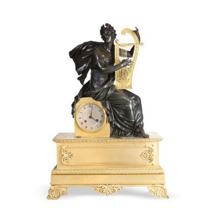 Reloj de sobremesa, estilo Imperio, S. XIX.