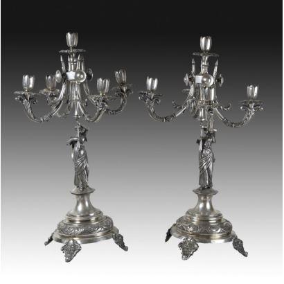 Pareja de candelabros de plata, finales S. XIX.