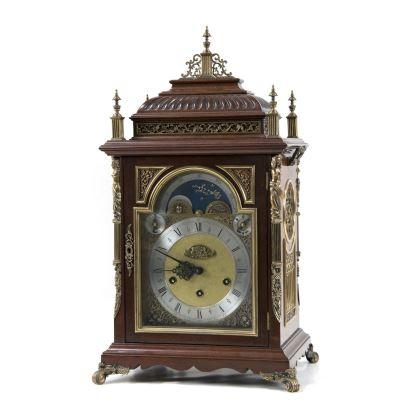 Reloj de sobremesa tipo bracket, ppios. S. XX.