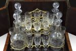 Objetos. Caja licorera, estilo Napoleón III, S. XIX.