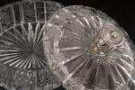 Vidrio. Bombonera en cristal tallado, años 50.